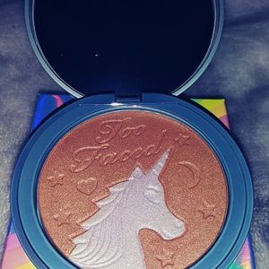 Too Faced Makeup - Too Faced bronzer